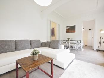 Eixample apartment in the city centre with small