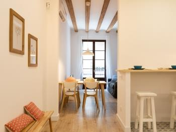 Cozy and spatious apartment ideal for a couple clo